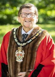 Cllr Richards Wokingham Borough Mayor.jpg